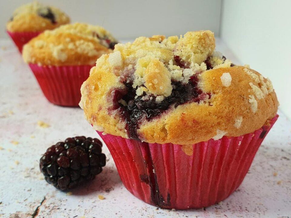 how-to-make-blackberry-muffins-london-baking-classes