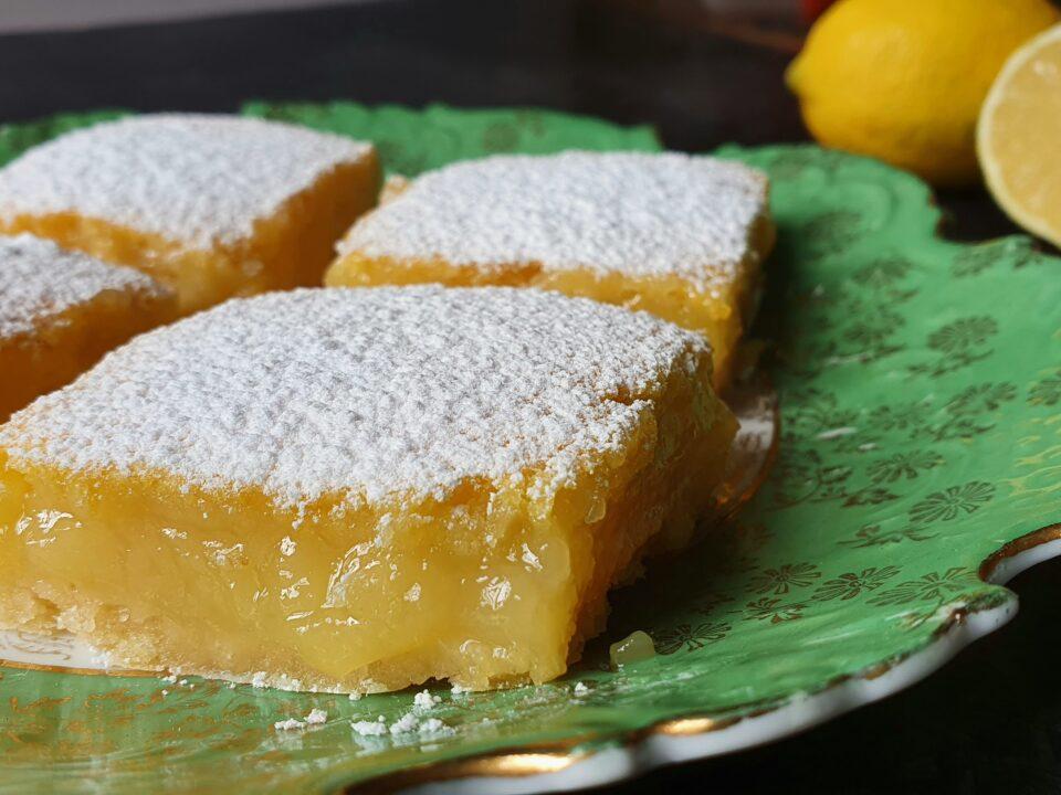 gooey-tangy-lemon-squares-recipe-london-baking-blogger