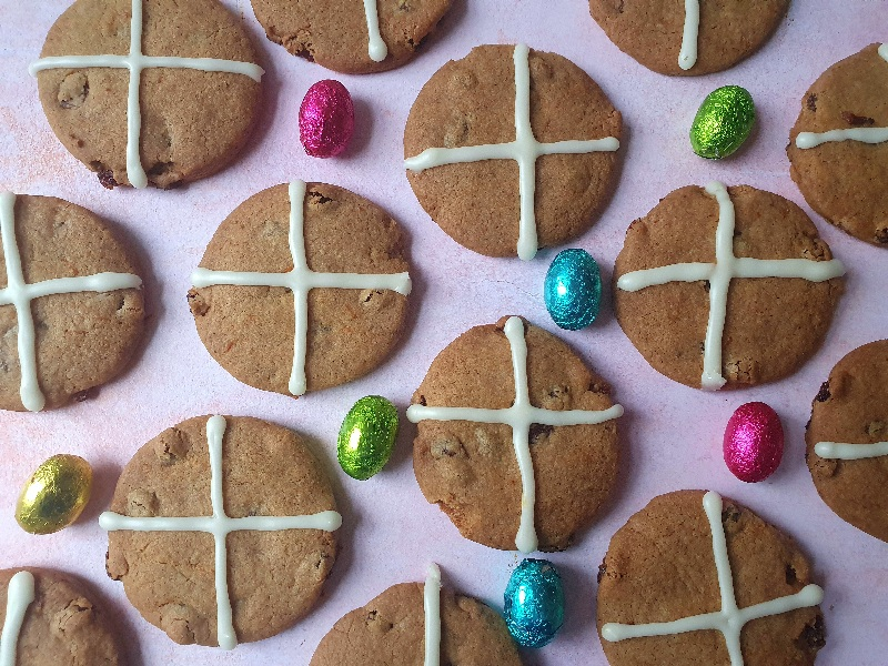 london-baking-blogger-hot-cross-buns-cookies-bake-with-rise-and-shine
