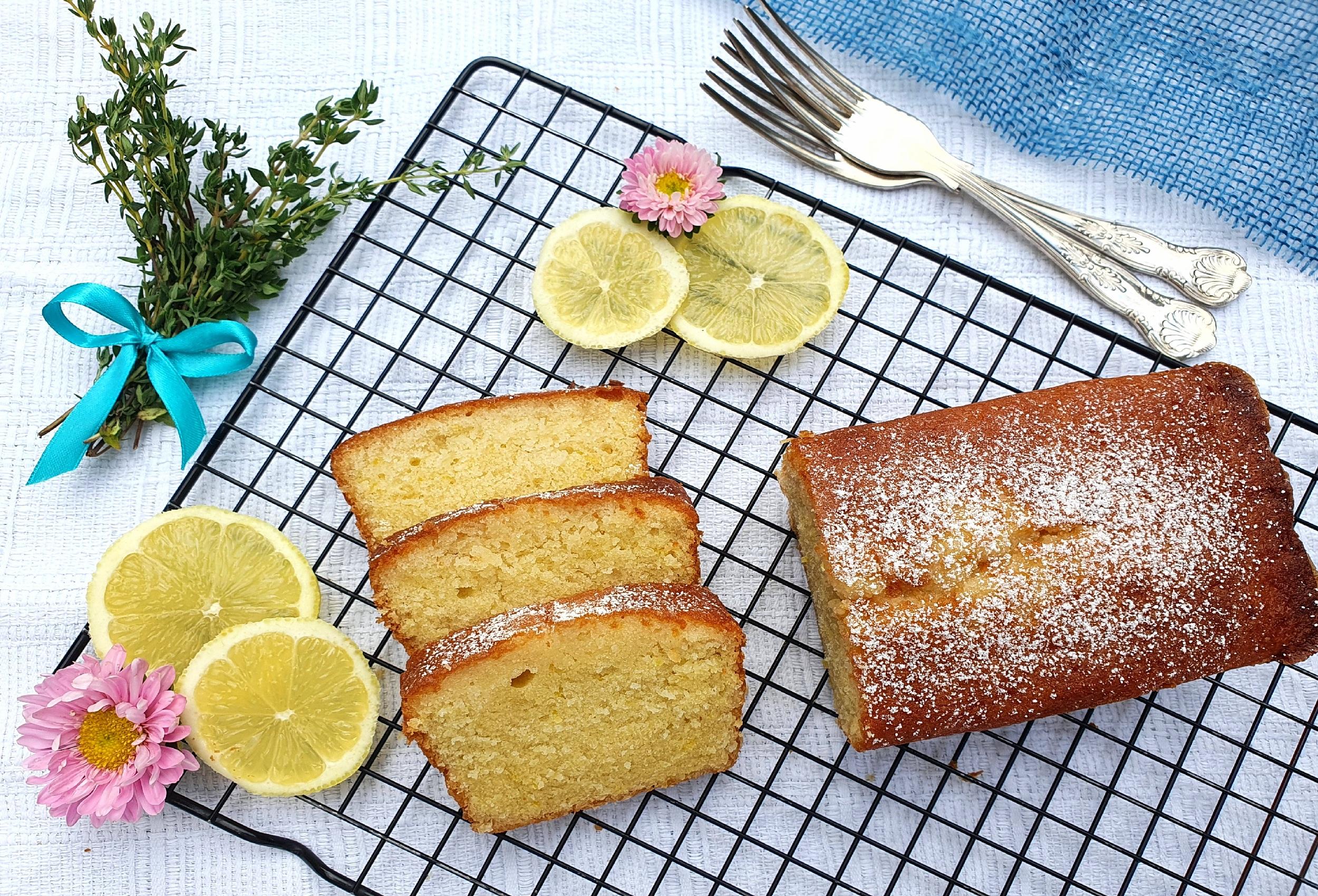 london baking courses lemon drizzle cake